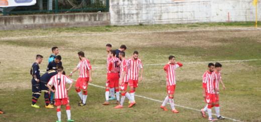 Foto f) calcio di punizione per il Gallipoli