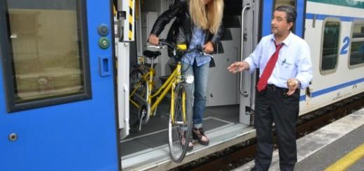 immagine pendolari in bici
