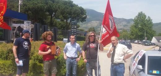Manifestazione davanti la Fca di P. S. Germano
