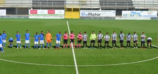 Squadre al centro del campo - Sora calcio vs Montespaccato Savoia immagine 5