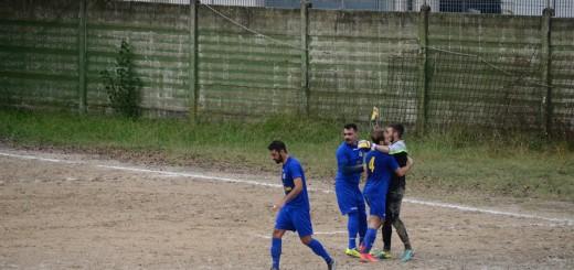 San Giovanni Incarico squadra che festeggia il gol